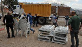 Çukurova Belediyesi'nden Pozantı ve Sarıçam'a malzeme yardımı